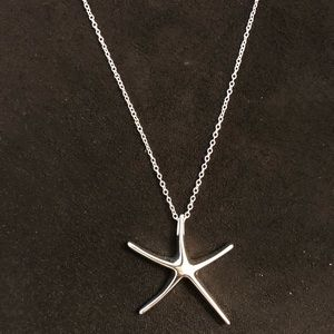 Jewelry - 🆕 sterling silver starfish necklace